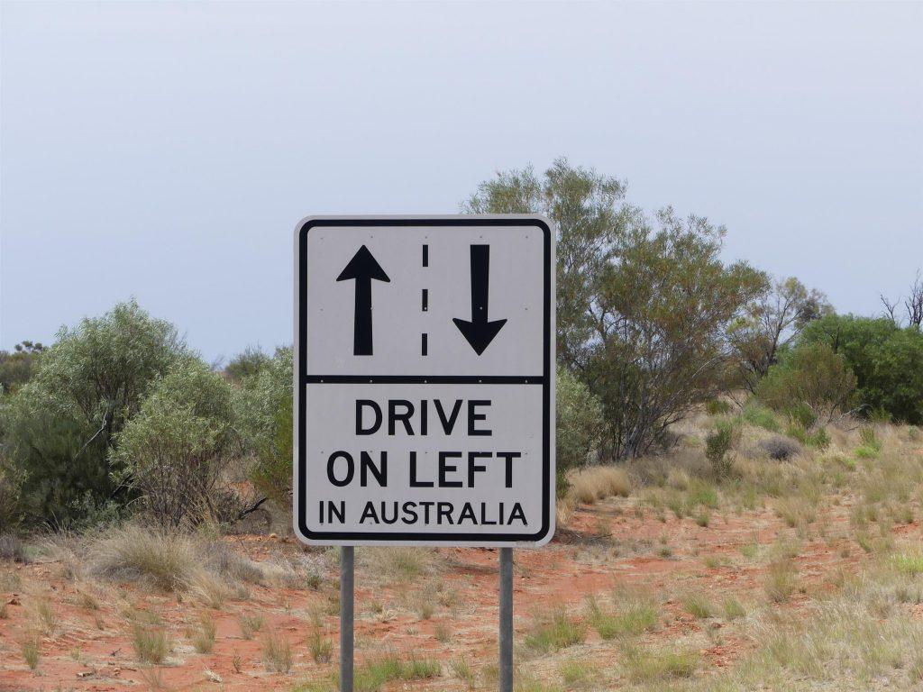 cette route est tellement touristique qu'on y rappelle les règles de base... Panneau vu uniquement sur cet itinéraire !