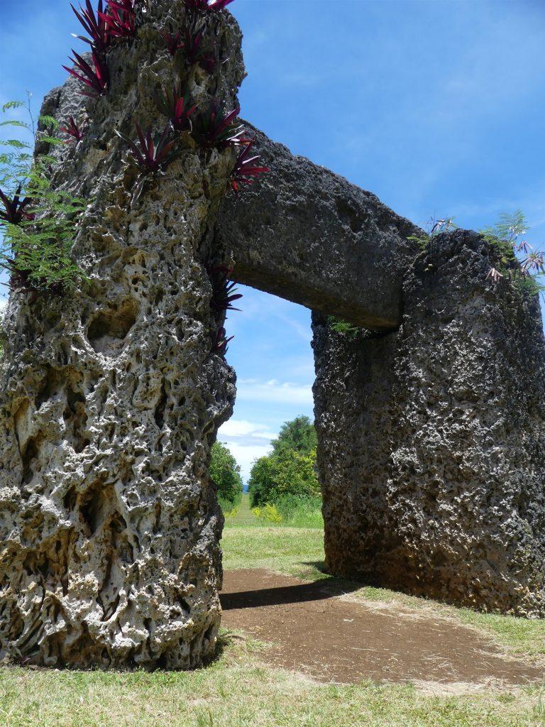 faux Dolmen à Tonga