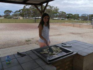Audrey chef de cuisine au barbecue !