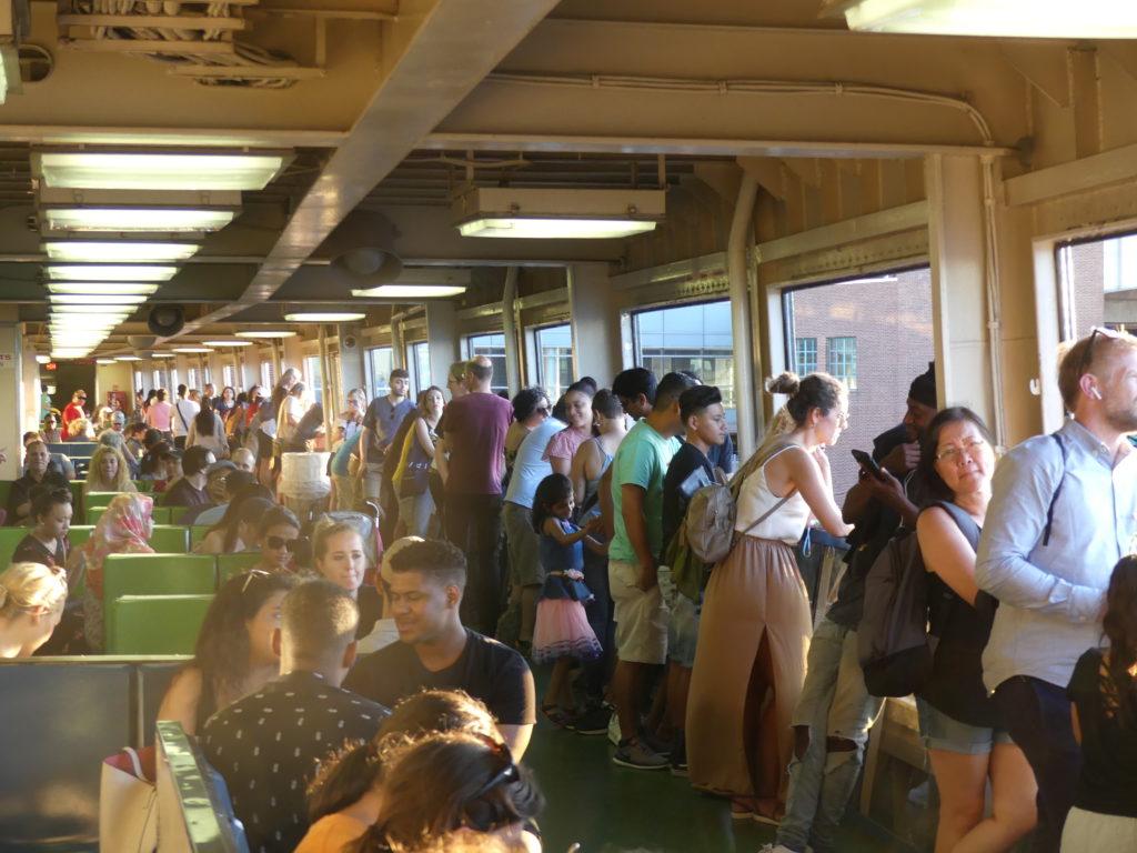 """la photo """"verso"""" : ce ferry avec une jolie vue n'est bien sûr pas du tout un secret"""