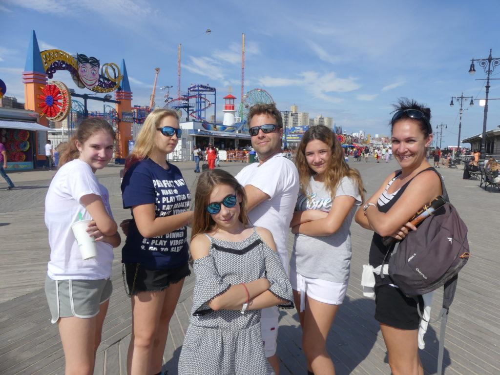 Coney Island : les 6 à la plage