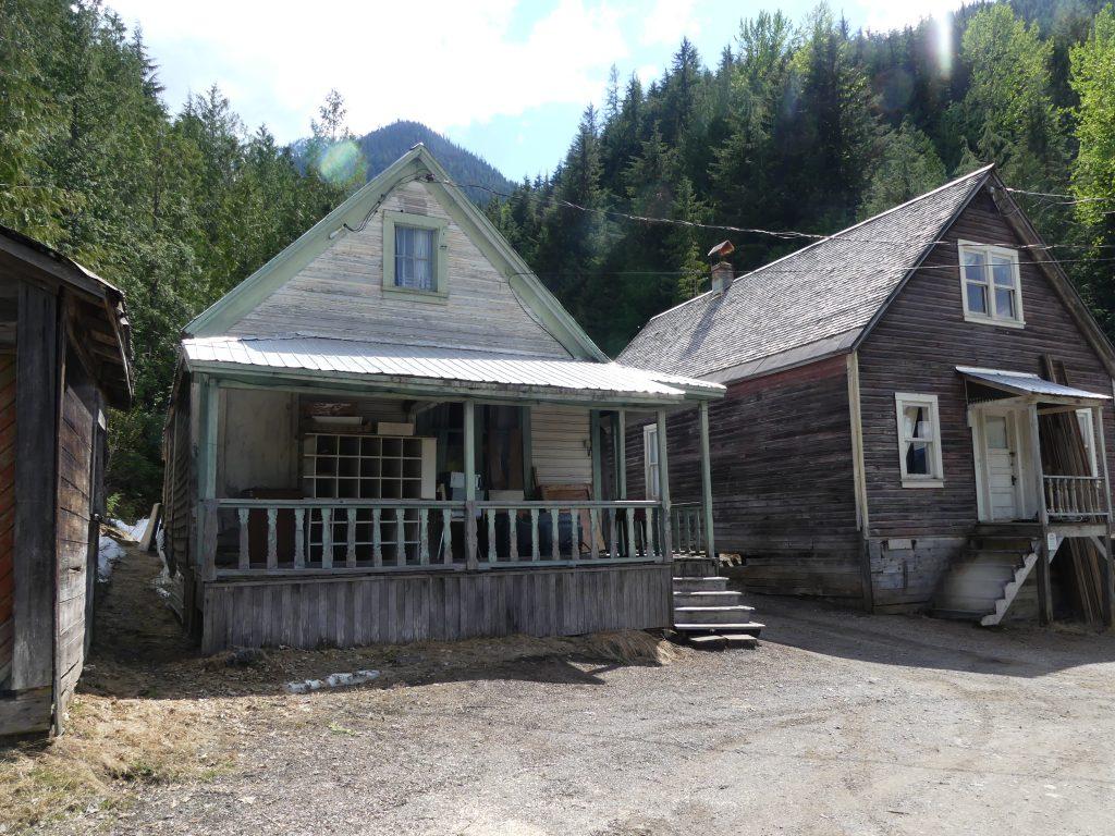 Des maisons abandonnées