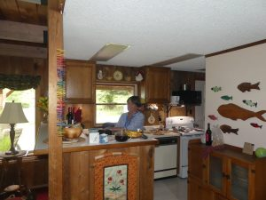 Lynn à la cuisine