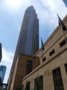 Il y a aussi quelques grands immeubles de bureaux bien sûr