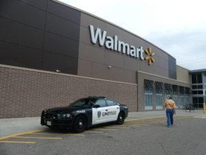 La police est installée dans le supermarché
