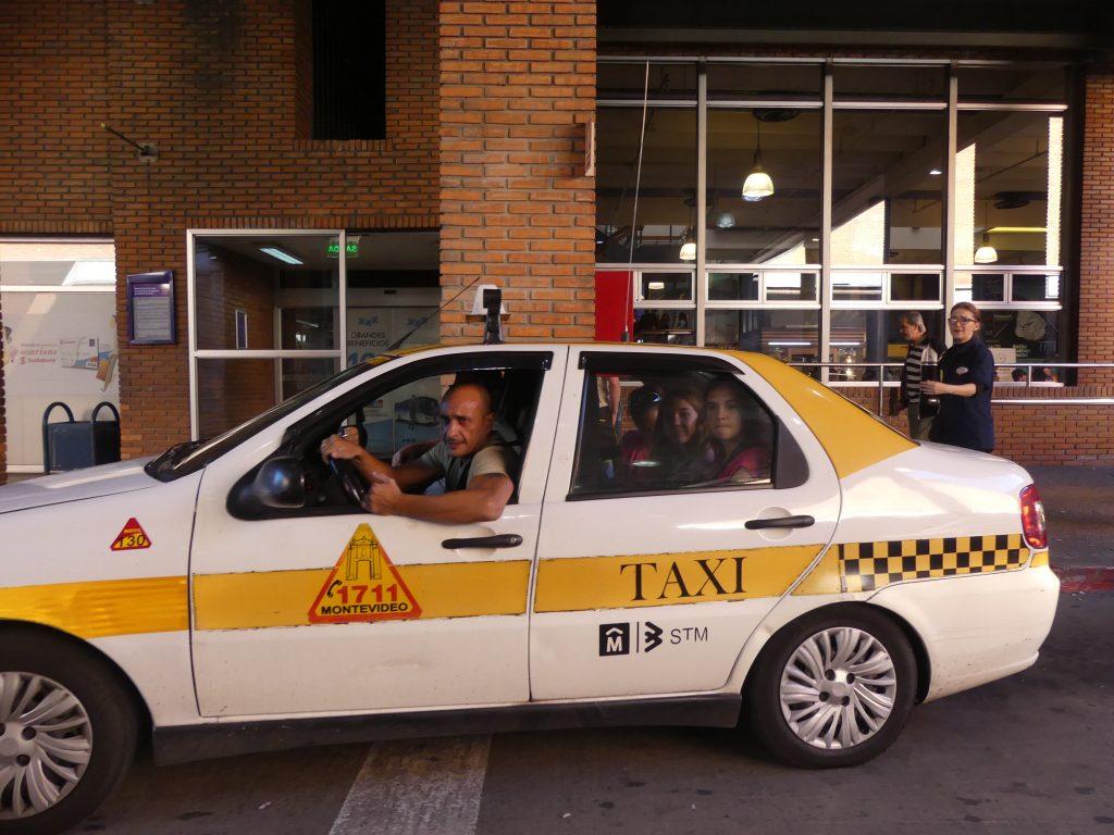hop, en taxi pour aller au logement !