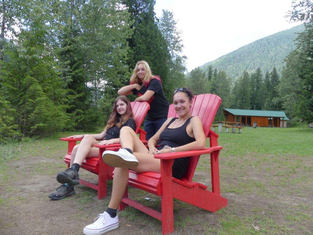 Les fameuses chaises rouges