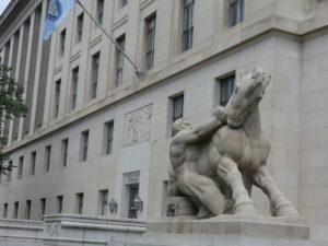 Oui, cette statue représente la régulation du commerce