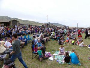 Une foule s'est massée pour assister aux cérémonies