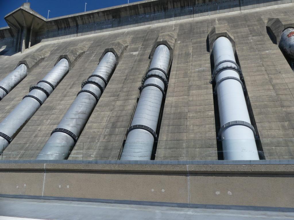 Revelstoke Dam : les conduites