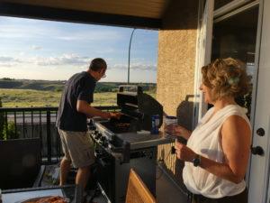sur la terrasse, barbecue bien sûr !