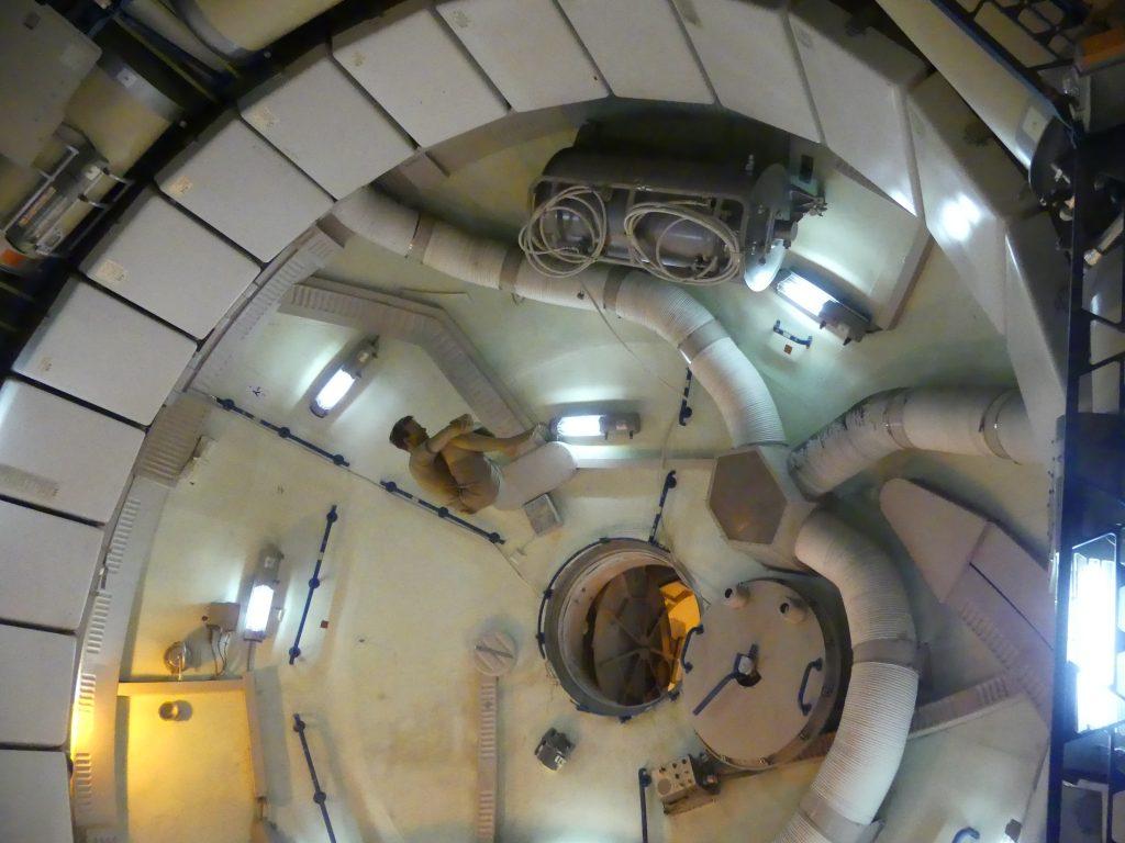 Démonstrations de l'intérieur d'une station spatiale