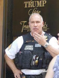 Les services secrets protègent la tour