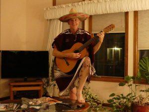 de retour de la Casa Bonita, Mike se sent d'humeur musicienne