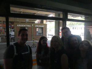 frontière Uruguay-Argentine (oui bien sûr il est interdit de faire des photos, et alors ?)