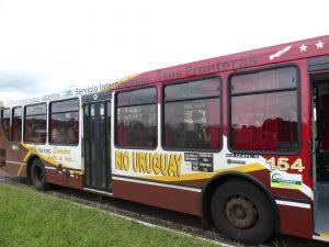 le bus s'arrête à la frontière