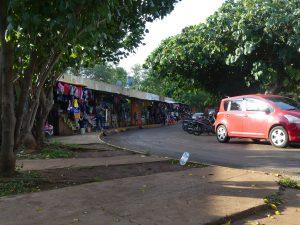 marché vers la gare routière d'Encarnacion
