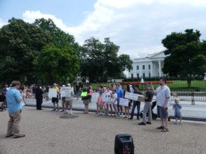 il y a toujours des pétitionnaires devant la Maison Blanche