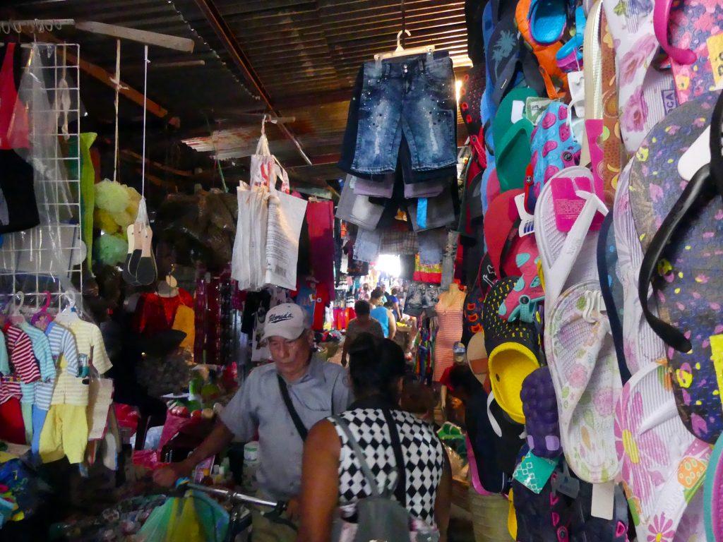 On trouve de tout au marché de Granada
