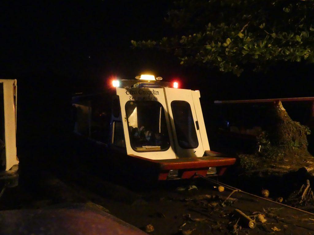 Le bateau taxi de nuit