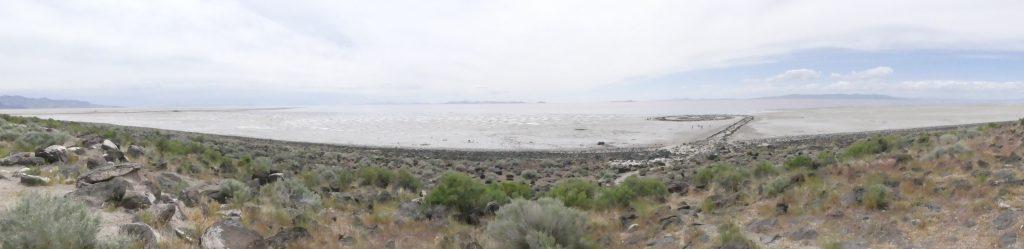 Panorama sur Spiral Jetty et le grand lac salé