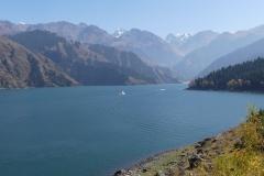 le lac céleste de la montagne du ciel (Xinjiang)