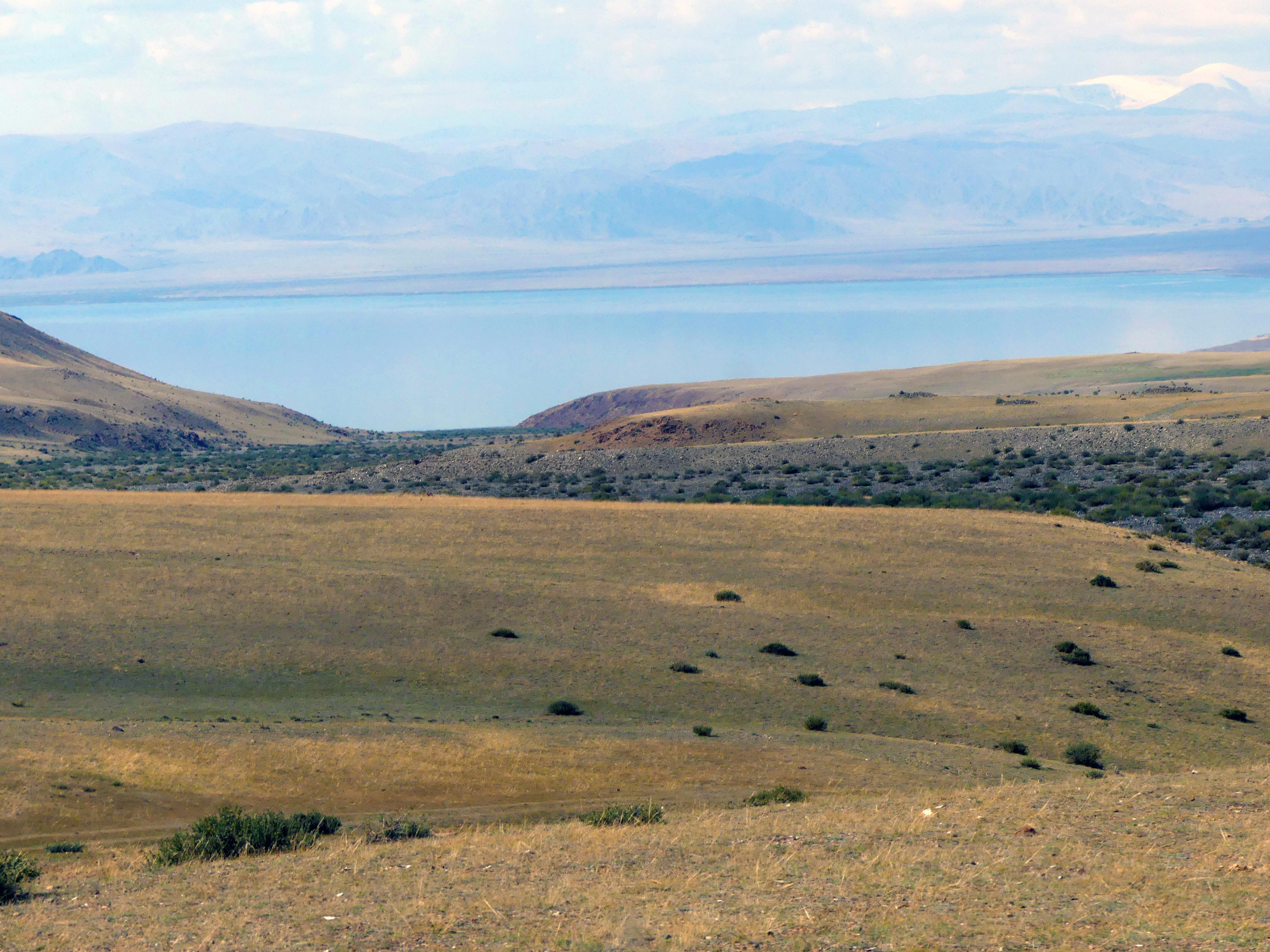 la perle de Mongolie : un petit lac inconnu du public mais absolument magnifique