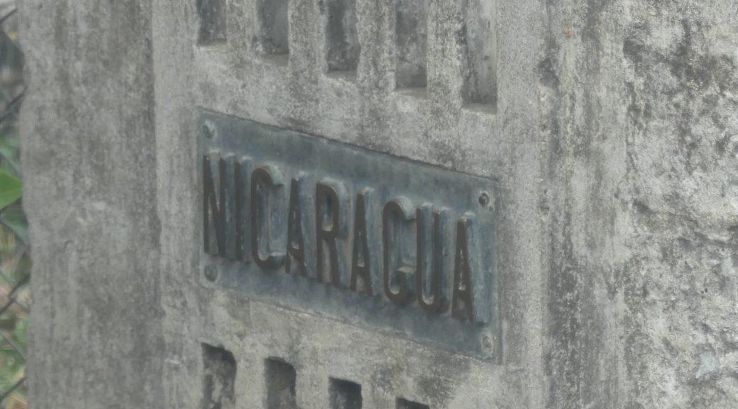 la borne officielle de la frontière Nicaragua - Costa Rica